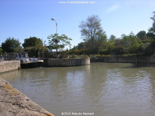 The Canal du Midi is now open again ......
